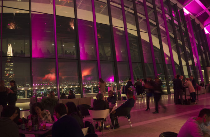 Enjoy the sunset and delicious cocktails at Sky Pod Bar, Sky Garden