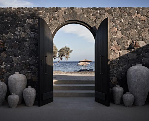 HOTEL NEWS: Santorini's new sexy 12-suite hideaway