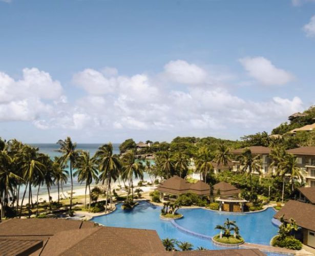 Mövenpick Resort & Spa Boracay invites families this summer