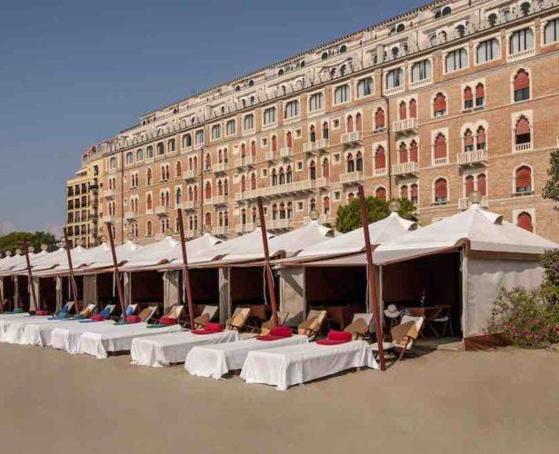 Enjoy glamorous summer pop-up restaurant on Venice Lido Beach