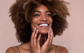 Sustainable skincare routines: 6 eco-friendly travel beauty tips