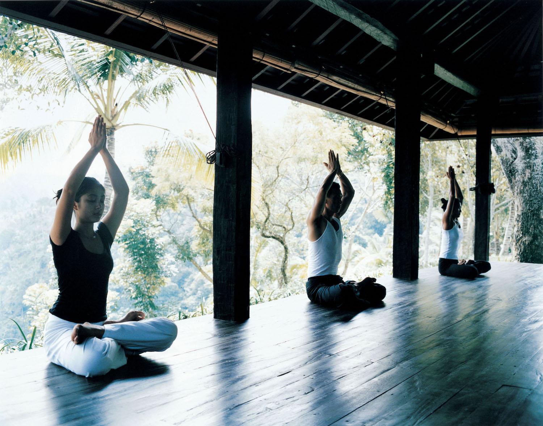 como-shambhala-yoga-sitting