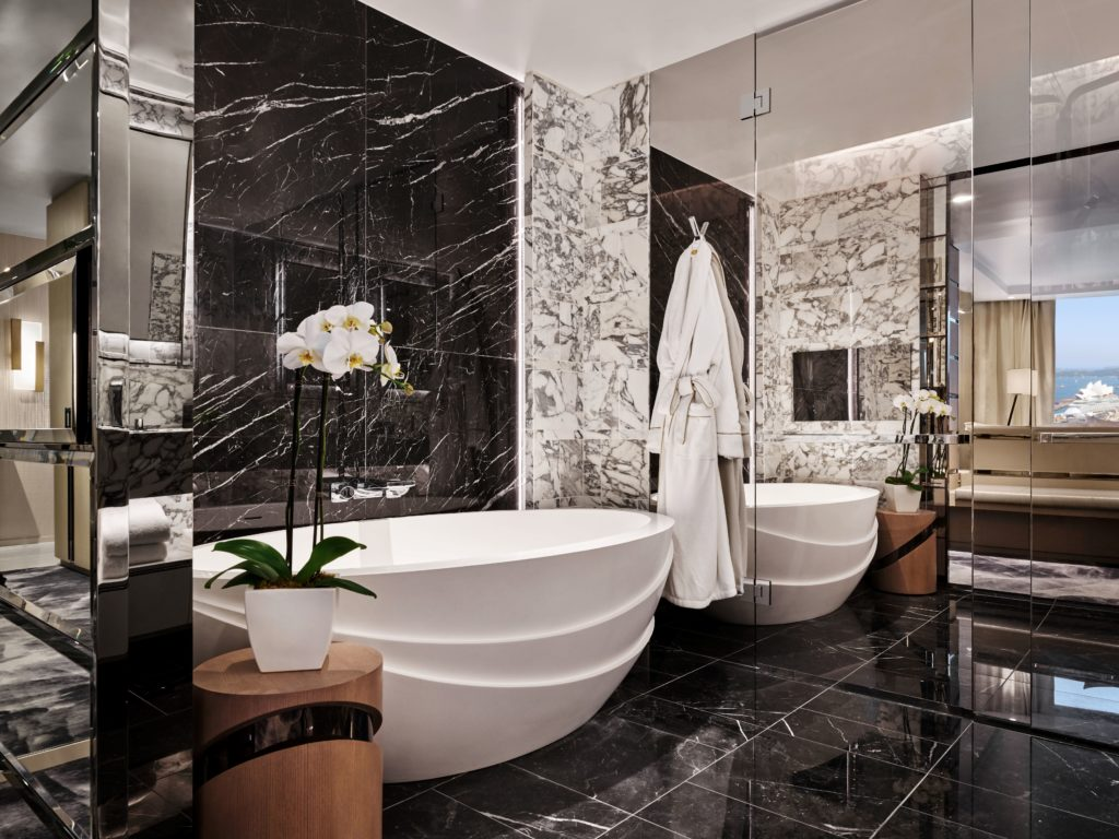 lux-nomade-crown-towers-baths