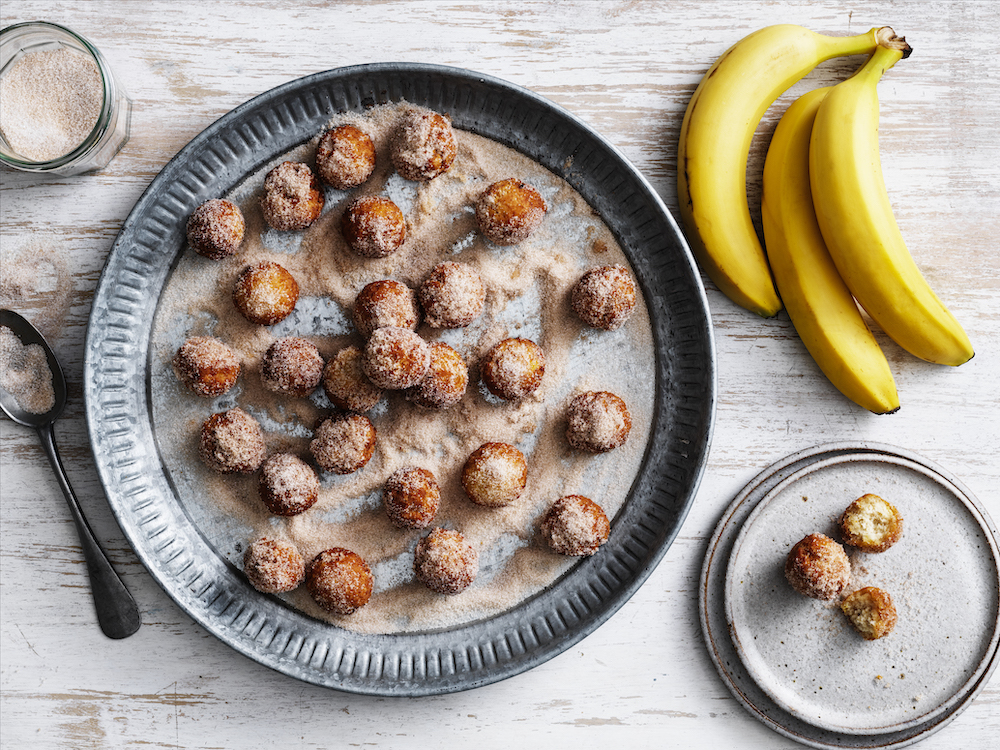 4 ingredient banana doughnuts
