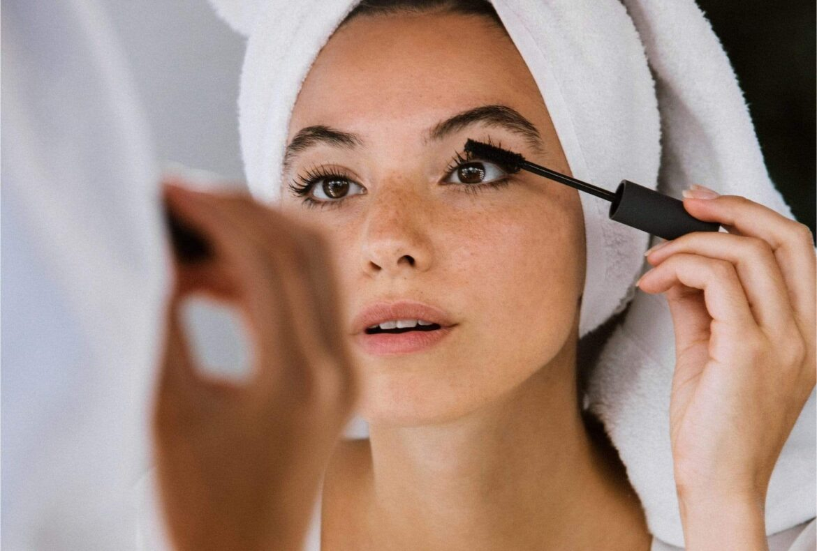 We tried 10 Mascaras for volume and here's our verdict