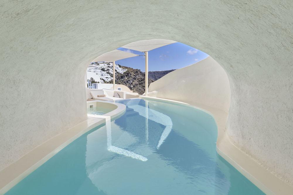 Mystique in Santorini